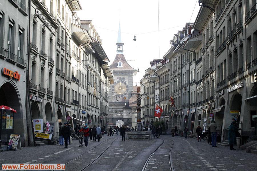 Колокольня Цитглоггетурм - символ и главная достопримечательность Берна.