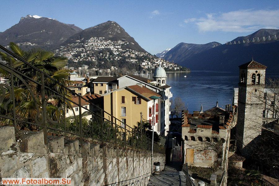Вид со старой части города на озеро Черезио и новый город