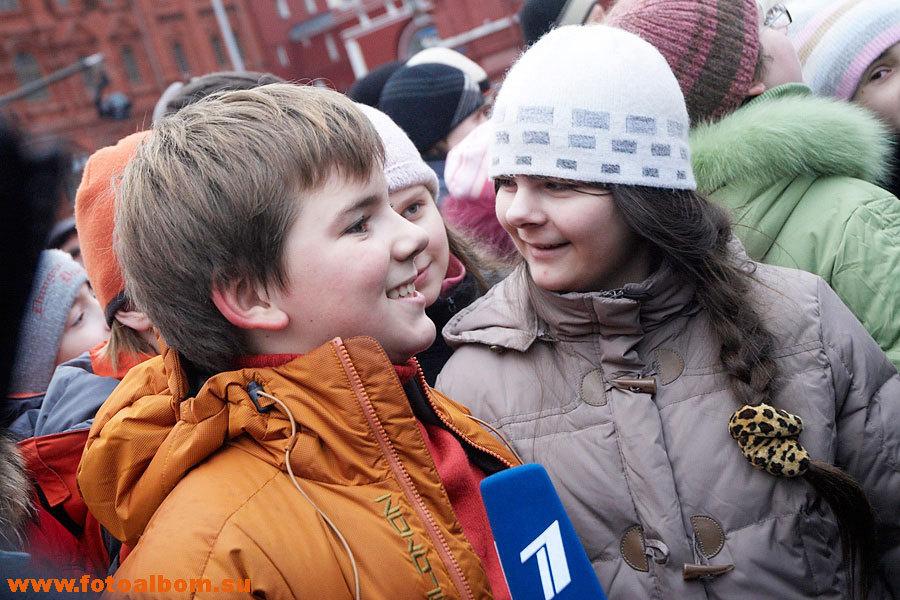 представление освещали многие телеканалы и некоторые дети давали своё первое в