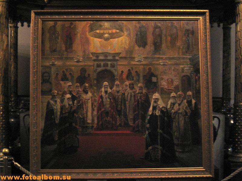 В Крестовой (Мироваренной) палате  проходили заседания Священного Собора
