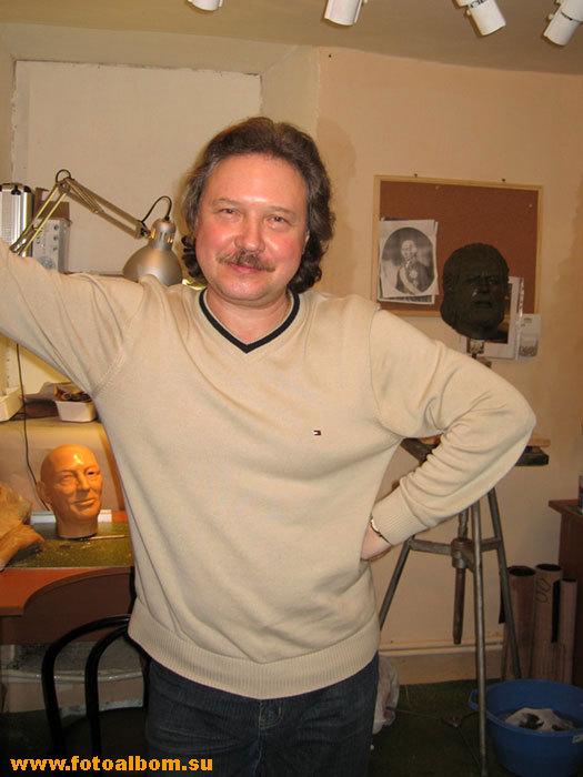 Нестеров Михаил Юрьевич в мастерской. Москва, Хилков переулок (парк Культуры)