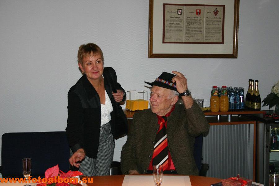 С личной переводчицей Галиной Брандт. Олег Попов так и не выучил немецкий язык