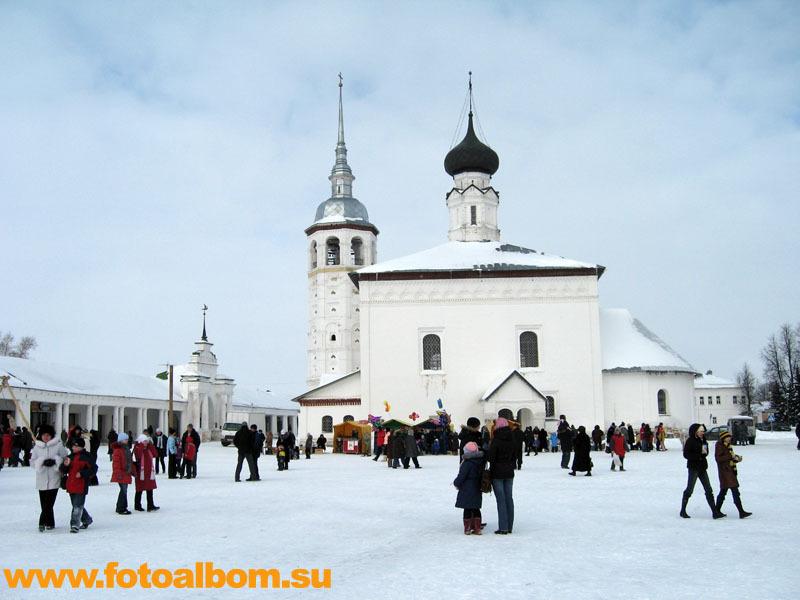 Воскресенская церковь на торговой площади