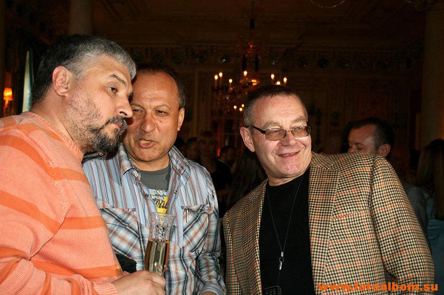 Президент федерации рестораторов и отельеров Игорь Бухаров,  телеведущий Иван