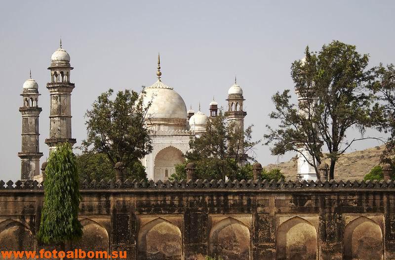 В городе господствует мусульманская архитектура