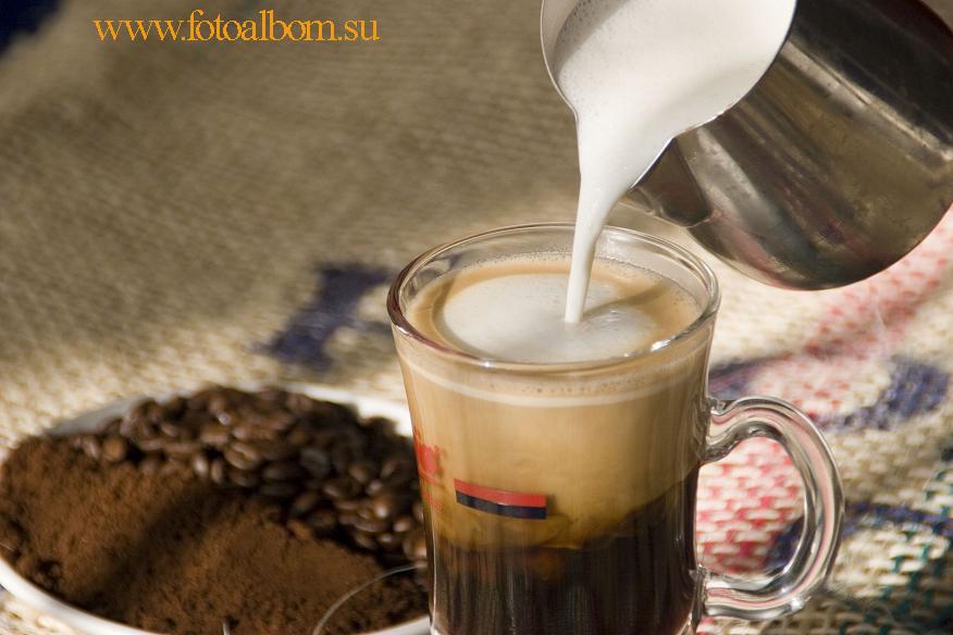 Первый вариант добавления сливок в Irish Coffee