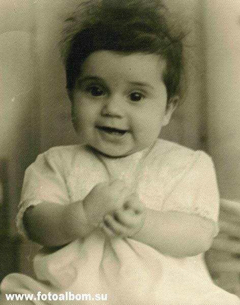 ИОЛАНДА ЧЕН. Родилась в Москве. Трехкратная рекордсменка мира по прыжкам в