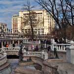 Весна в Александровском саду и на Манежной площади