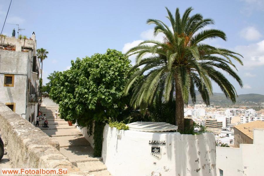 Самый знаменитый отель Ибицы «El Palacio Ibiza», здесь останавливались Чарли