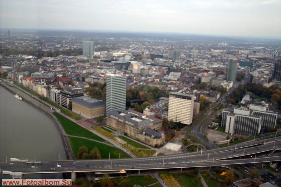 Центральная часть Дюссельдорфа с 234-метровой высоты телебашни