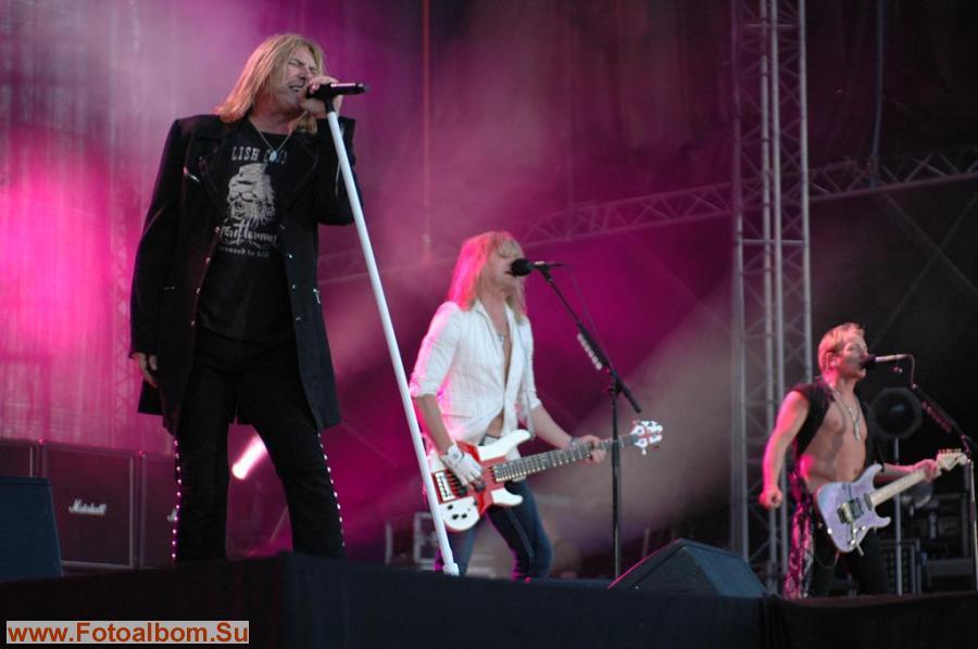 «Def Leppard» Joe Elliot(вокал) Vivian Cambell( гитара), Rick Savage (бас)
