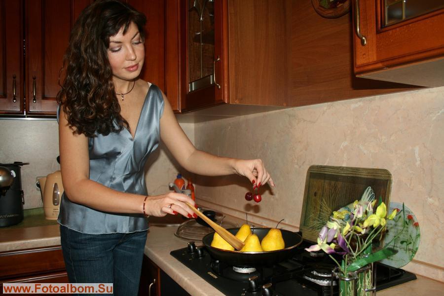 Груши  на сковородку, плюс  вишенка, а что было дальше – не помню…