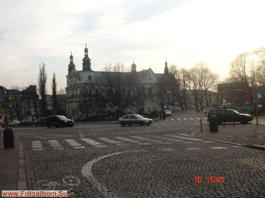 Краков*  Гродская улица ведет прямо к Королевскому замку