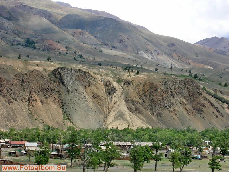Село Чаган-узун сверху.Вот в такое красоте и живут неспеша алтайцы.
