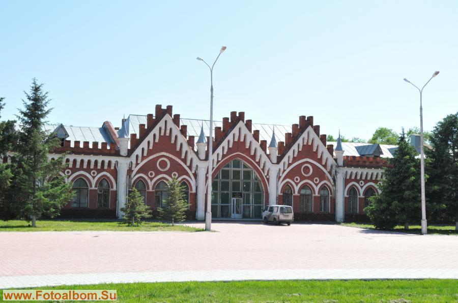 В ныне действующем здании Института геологии и природопользования, основанном в