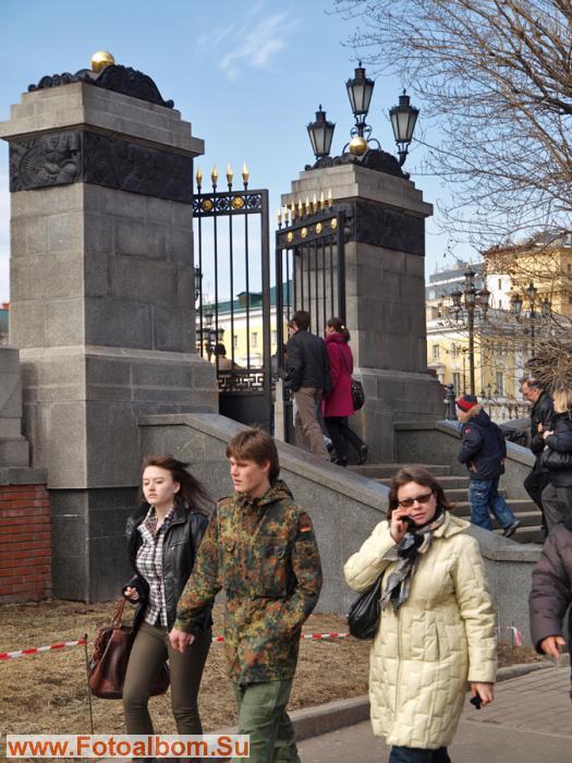 Ворота в Александровский сад с Манежной площади