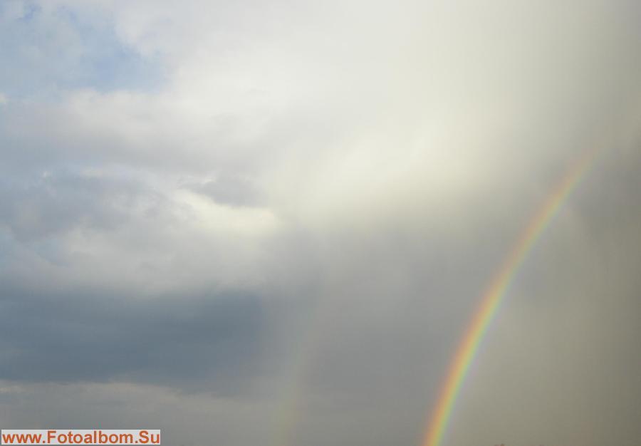 Сплошное противоречие в виде грозы и радуг…