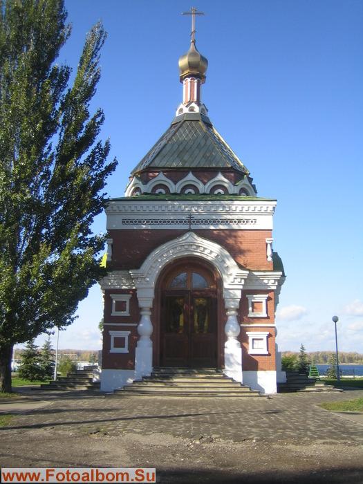 Часовня святителя Алексия - первая постройка А.А. Щербачёва. Построена вместо,