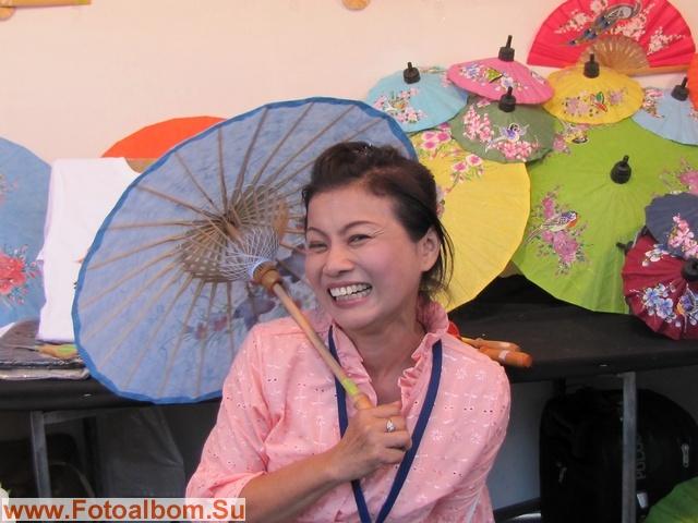 Таиланд. Сувенирные зонтики