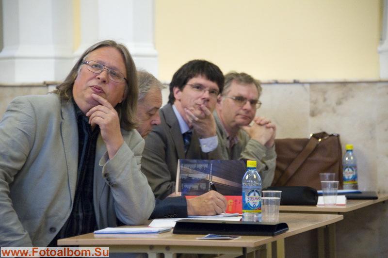 Жюри: Андрес Уйбо, Фолькер Бройтигам, Мартин Зандер и Алексей Шмитов