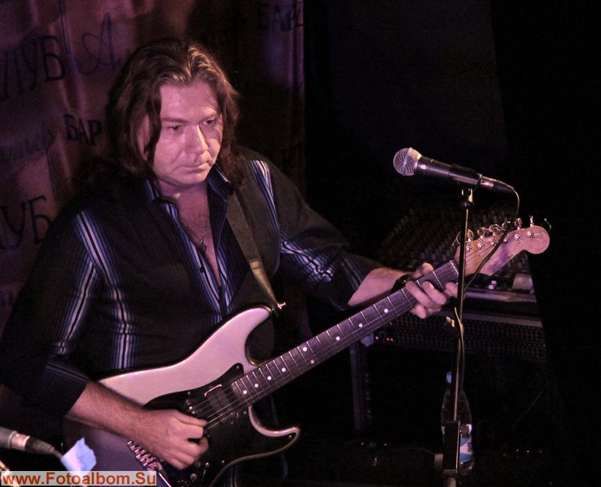 Владимир Густов, гитара